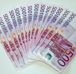 Picture of fanned pile of 500 Euro notes for Your Expert Witness story